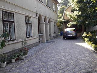 Продам дом в центре города Бельцы