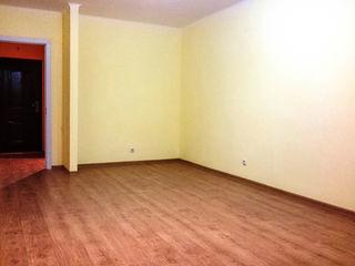 Apartament pret bun, Centru din Stauceni, Cazan, gata de trai.