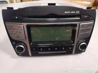 Audio magnitola originala de la Hyundai ix35