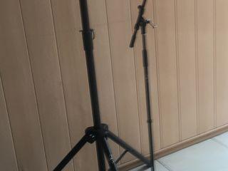 Продаю стойки новые, акустическая и микрофонная