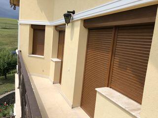 Intretinerea roletelor exterioare din aluminiu pentru bacoane, geamuri, vitrine