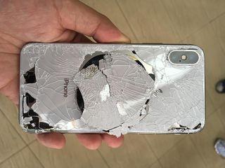 Разбили стекло на iPhone X, XS, XR, XS Max, мы сможем вам помочь, ремонт с полной гарантией.