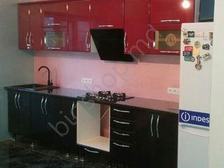 Big kitchen 3.2 m (Red and Black). Posibil în credit!!
