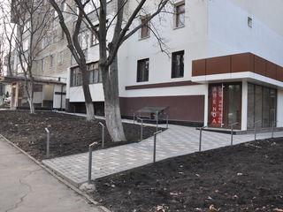 Chirie Botanica, strada Teilor 8. Suprafata e de 180 m2,posibil de divizat in 65m2 si 115 m2
