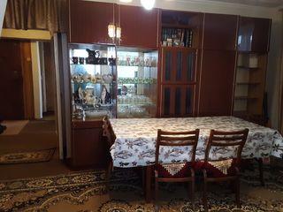 Apartament cu 4 camere in centrul o.Drochia/ 4х- комнатная квартира в центре г. Дрокии.