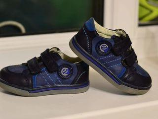 Детская обувь в хорошем состоянии.