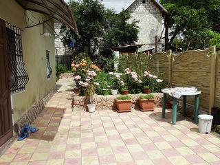 Casa in chirie, curte separata+ garaj 450  euro