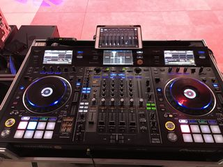 Продам комплект Pioneer ddj-rzx+Case