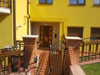 Apartament 110 m/2 in zona linistita.