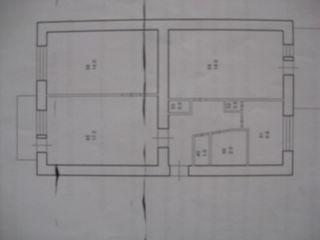 Центр.Недорогая аренда 3-ком квартиры на год и более 3/5 середина дома.