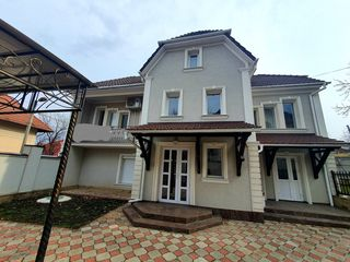 Casa mobilată în 2 nivele, s.Telecentru