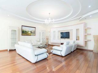 Apartament cu 4 camere, reparație euro, Buiucani, 1300 € !