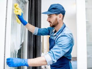 Spălare geamuri, vitrine