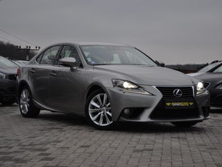 Lexus IS Series