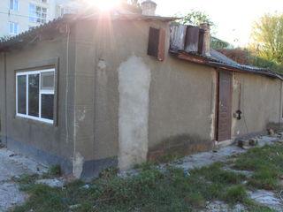 Продается по срочному дом, цена срочной продажи 8000 Е