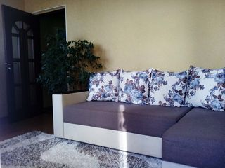 Продается 2-х  комнатная квартира в центре города