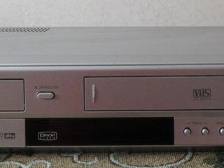 DVD- проигрыватель + видеомагнитофон Samsung DVD-V5600  800лей