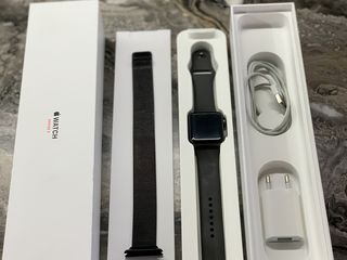 Apple Watch seria 3 / 42 mm Space Gray