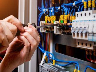 Oferim lucrări de electromontare
