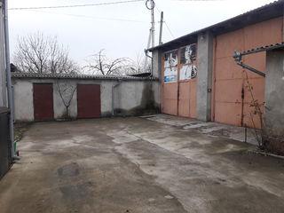 Vînzare/ Arenda Oficiu cu depozite si garaje Soroca