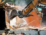 Демонтаж ветхих зданий, избушек.