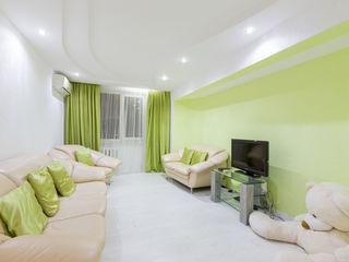 Spre achiziție apartament cu 5 odăi 120 m2, str.Dacia sect. Botanica