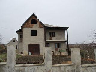 M2-vânzare, casă-2 nivele, 180/mp. rn. Criuleni, sat. Dolinnoe,