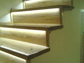 Scari din lemn natural