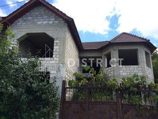 Durlești, casă în 2 nivele str. Viilor, 272 m2