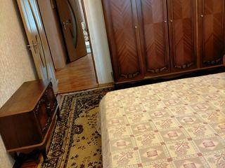 Apt cu 3 odai mobilat / reparat Buicani (Deleanu)