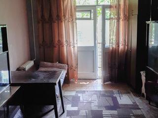 Se da in chirie apartament cu 2camere. Сдается 2-ком. квартира (Гренобля-Костюжень)на длит. период