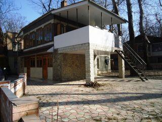 Днестровский парк, дом-дача на берегу Днестра