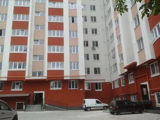 Apartament cu doua odai et 1  Botanica Virnav 20 casa este data in expluatare    70m