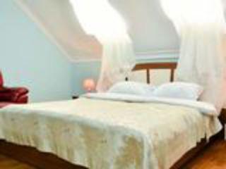 У  нас есть роскошь здесь  vip комната   от 399 лей и по часов за 50 лей звоните, можно ив кредит..!