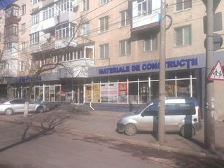 Аренда магазина в Центре Бельц - 350м2