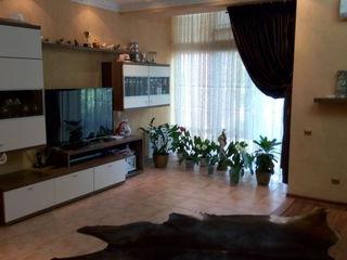 Продам  супер дом таунхаус на Скулянке
