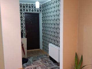 Se vinde apartament cu 2 odăi complet mobilat - prețul 26000€