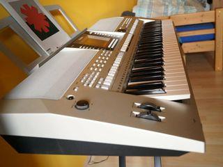 Синтезатор YAMAHA PSR-S710. Sintetizator.