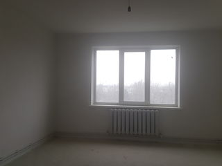 De vinzare apartament cu 2 odai in casa nou construita cu IX nivele
