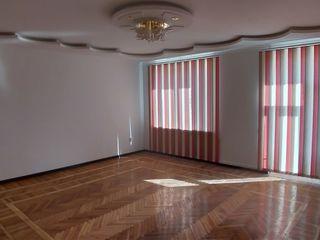 Urgent vand apartament 130m.p, in casa privata, Buiucani