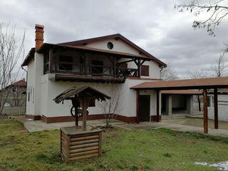 Casa noua de model Rustic (italian) la pret 125000€ (negociabil)