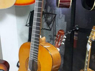 Гитара Yamaha C 40 ! В упаковке ! Индонезия  ! 2300 лей !