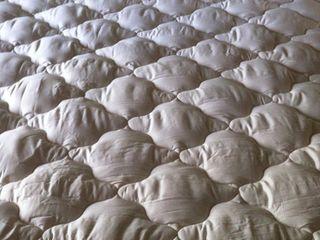 натуральные одеяла и подушки из овечьей шерсти/ пера