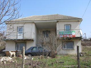 2-ух этажный котельцовый дом 100кв.м. на 10 соток земли в с. Бэчой по ул. Хлобень 20