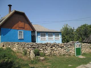 Se vinde casa pe malul riului Nistru in satul Tarasova, raionul Rezina