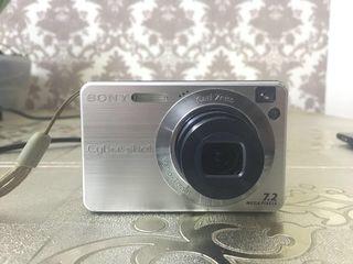 Sony Cyber-shot DSC-W110, 7.2 MP, în stare foarte bună(usb, încărcător, flash 2 Gb, cablu, geantă)
