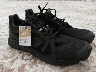 Adidasi sportivi Decathlon mărimea 44-45