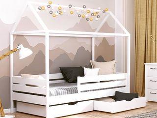 Продам кроватку домик