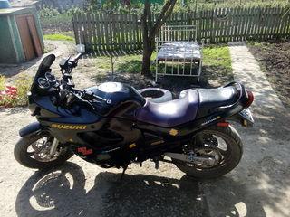 Suzuki gsx600
