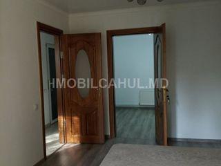 Продается 1 комнатная квартира в районе Жубилеу с отдельным входом. Торг